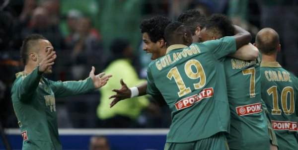 Saint Etienne remporte sa 1ere Coupe de la Ligue , après 32 ans de disette !