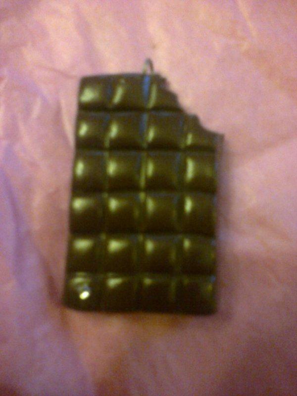 Tablette de choco croquée