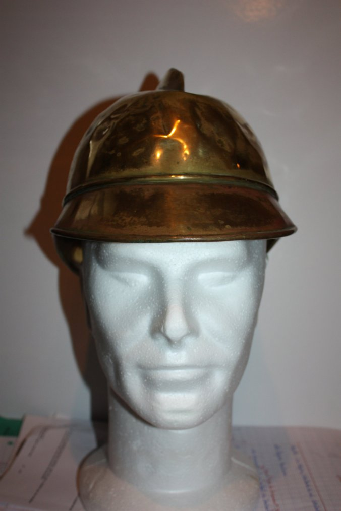 Vieu casque de pompier Allemand gravé J.B   55