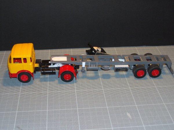 TR 250 + TITAN  'Pétrolière'