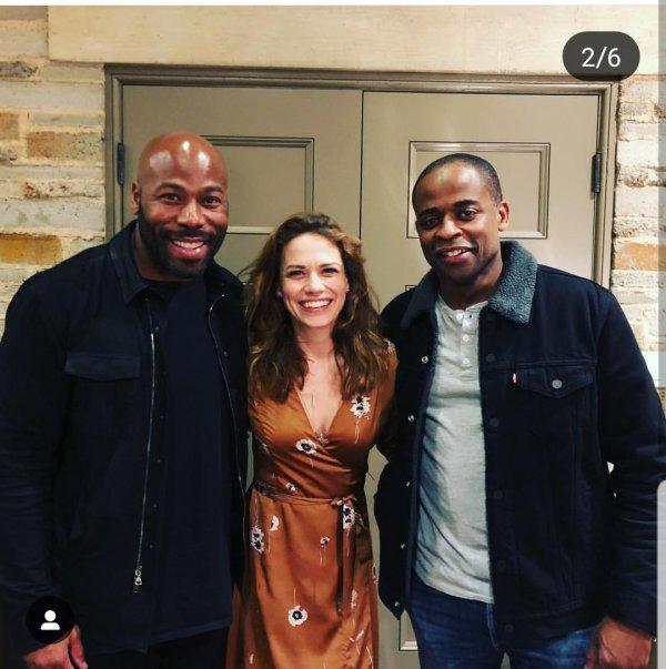 12 Mars 2019 - Bethany était au spectacle musical jazz Nat King Cole de son ami Dule Hill