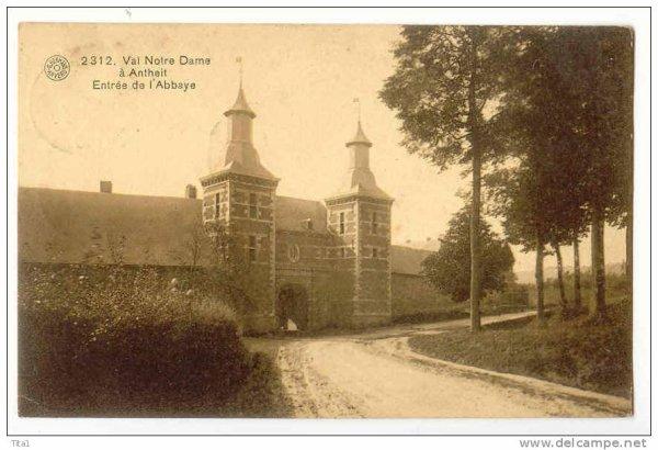 2312-Val Notre Dame à Antheit Entrée de l'Abbaye.