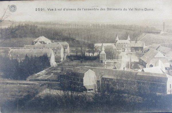 2591-Vue à Vol d'oiseau de l'ensemble des Batiments du Val Notre-Dame.