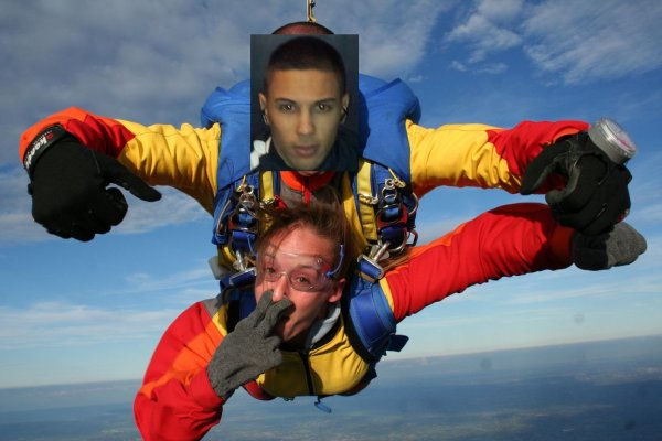 Moi en Parachute avec ma Femme + une photo avec le Daron