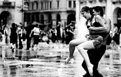 « Il est possible de s'habituer à l'absence des gens qu'on aime à la seule condition que d'autres viennent prendre leur place. Mais il se trouve que parfois, une personne très particulière est étrangement irremplaçable. » ♥