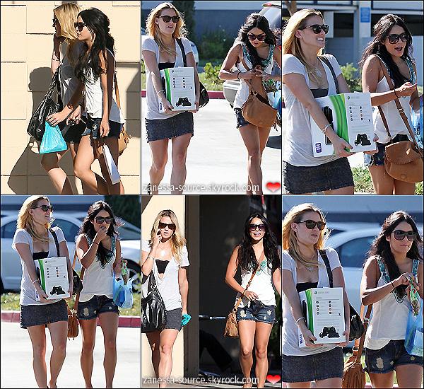 27/08/10:            Vanessa quittant un déjeuner à studio city puis faisant du shopping avec une amie.