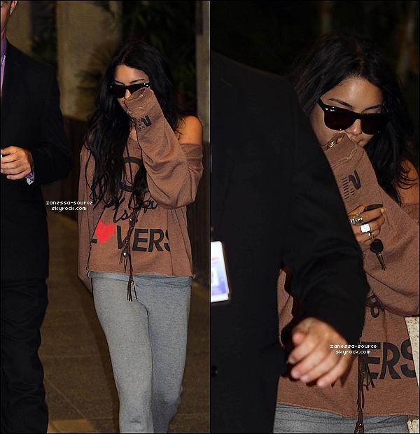 15/11/10:            Vanessa arrivant à Hawaï pour continuer le tournage de Journey 2.