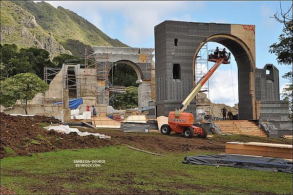 TOURNAGE:            Etant donné le manque de news, voici une nouvelle photo de la construction du décor pour le film que tourne Nessa actuellement: Journey 2.