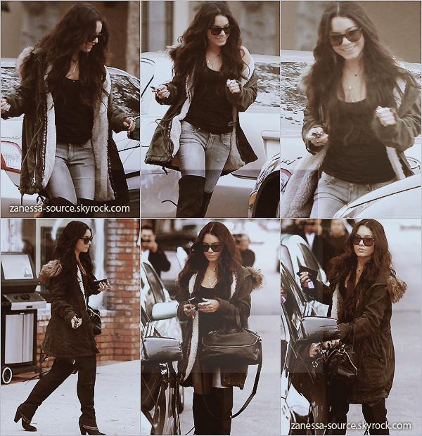 23/12/10:            Nessa qui va faire du shopping au Barneys à Beverly Hills puis elle fait un arrêt au burbank fireplace & BBQ.