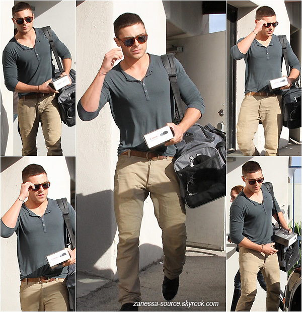 05/01/11:            Zac retournant à sa voiture, caméscope à la main, après avoir été dans un studio à LA.