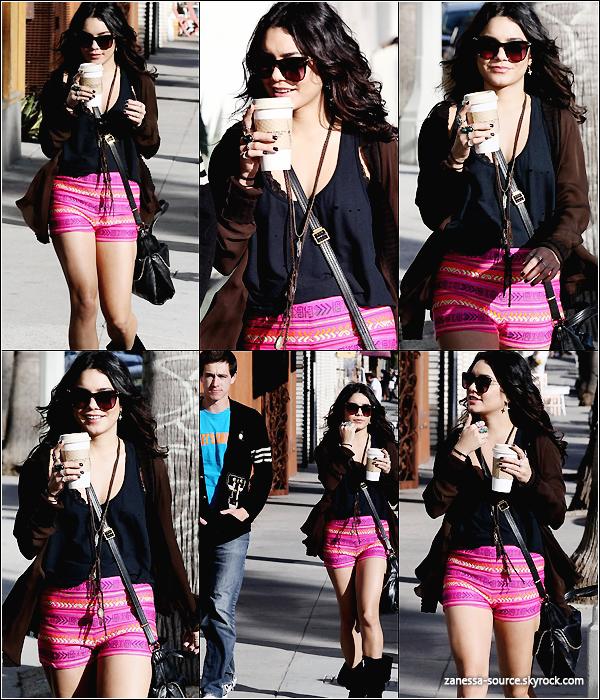 08/03/11:            Vanessa était avec un ami se promenant dans le quartier de Venice à Los Angeles.