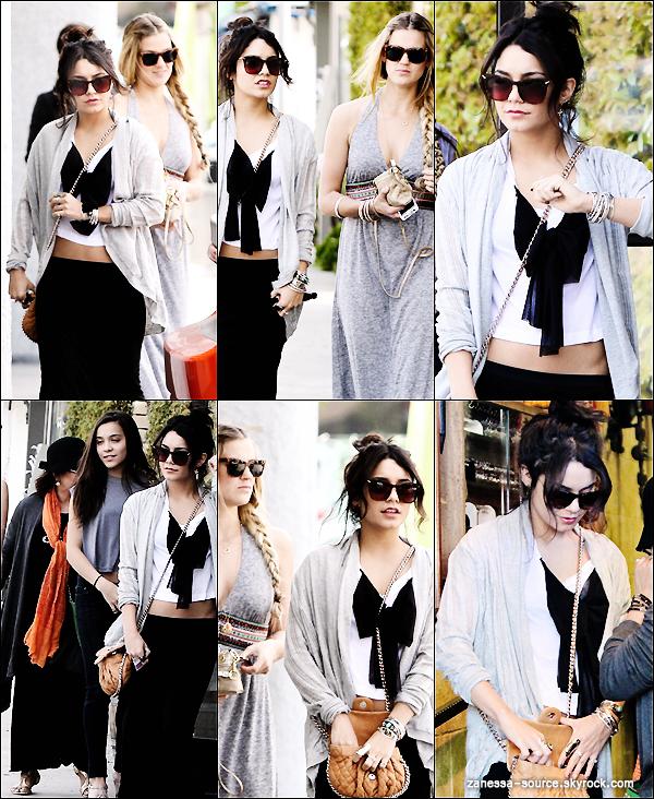 24/03/11:            Vanessa, Stella, Gina Hudgens et Laura New dans studio city pour faire du shopping.
