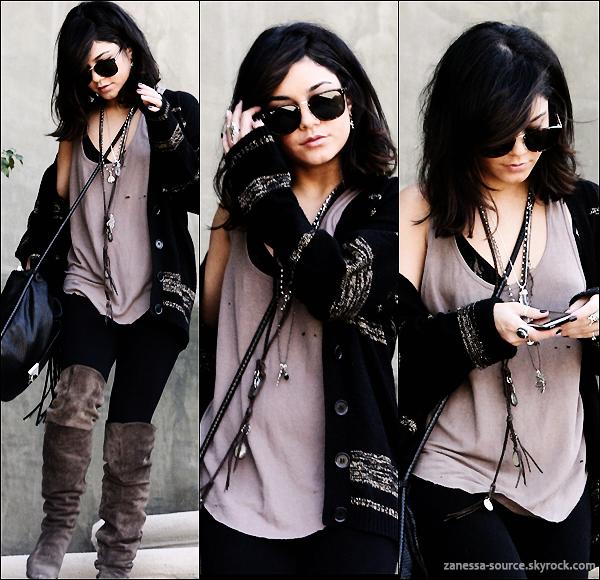28/03/11:            Vanessa sortant du salon de manucure Nail Garden à LA.