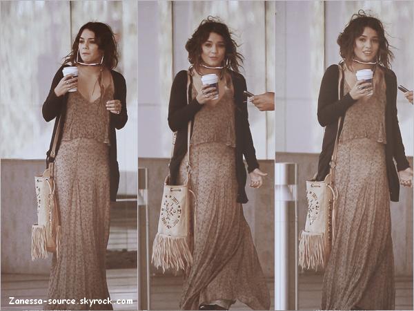 22/04/11:            Vanessa était à la sortie d'un immeuble après avoir été en réunion à LA.