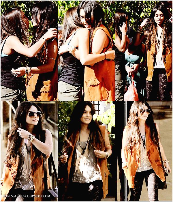 28/04/11:            Vanessa, Stella et Gina ont été faire du shopping au sharman Oaks à LA.