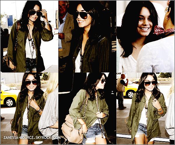 11/05/11:            Goodbye les extensions ! Vanessa a été vue allant se chercher à manger à LA.