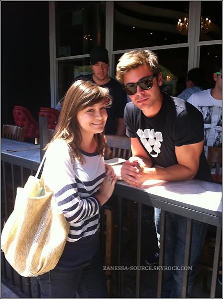 30/05/11:            Zac a pris une photo avec une fan dans studio city, il était au resto' umami burger avec des amis.