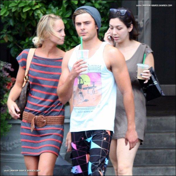 07.08.11 I Zac a été aperçut quittant un café à la Nouvelle Orleans,  Zac a l'air très décontracté !