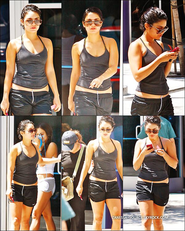 28/08/11:            Vanessa quittant une salle de gym dans studio city avec Gina & Stella.