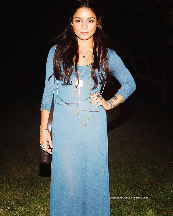"04/09/11:            Vanessa était présente au ""Linton Hopkins Dinner"" à New York."