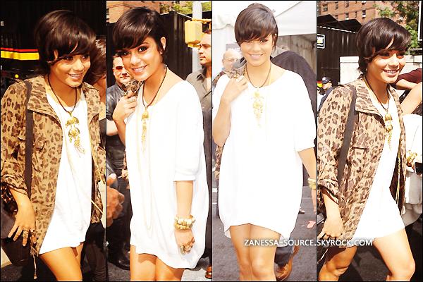 08/09/11:            Vanessa était à la mercedes-benz fashion week à NYC puis elle était l'hôte d'une soirée organisée par popchips playland.