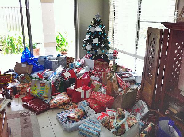 - Miranda à posté une nouvelle photo sur twitter de l'arbre de Noël de sa petite famille. __________________________+ visite mon nouveau blog : watsn-em -