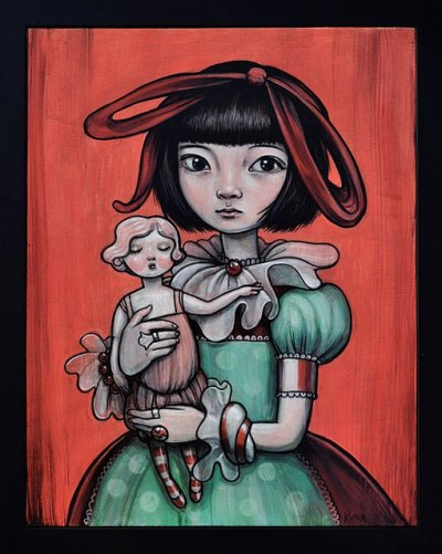 > Kelly Vivanco <