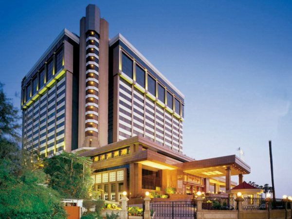 Superb amenity with luxurious hotels in financial city of India