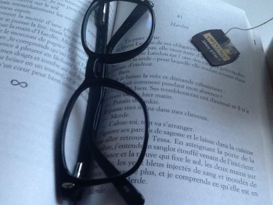 Books and Tea 📚☕️