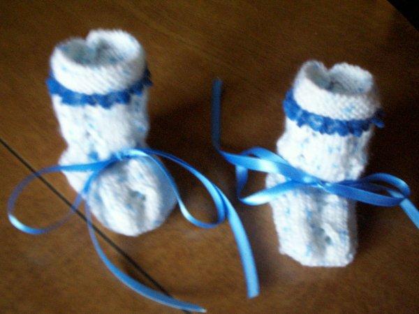 chaussons fait main 6 mois avec dentelle