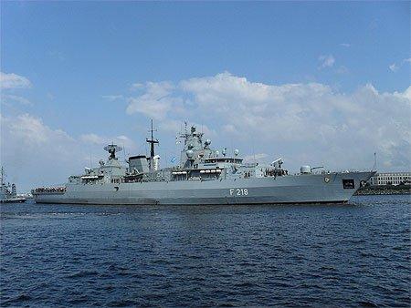 navire de guerre allemand