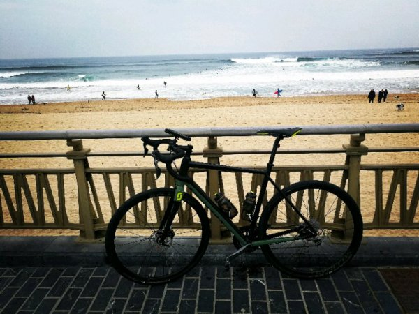 Sand Sébastien à vélo