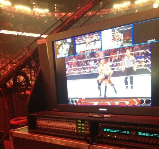 New's: Amy au RAW du lundi 26 mars 2012. ♥ article de dernière minute. :s