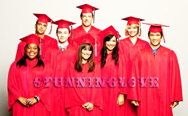 """De nouvelles photos promotionnelles pour la saison 3 sont en ligne ! ^^ Ainsi que plusieurs vidéos pour le 3x22 : """"Goodbye"""" et """"Qui est qui ?"""" (pour l'album de l'année du lycée) !"""