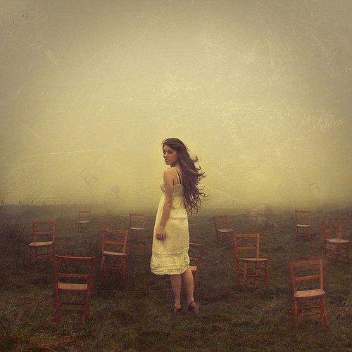 À un enfant, quel que soit son âge, on n'a jamais le droit de voler la fin d'une belle histoire.     De Maurice Schumann.