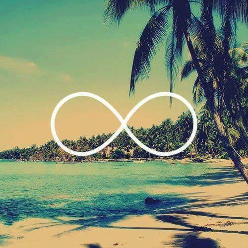 Les vacances sont un moyen de découvrir d'autres endroits et de profiter des amis que nous ne reverrons peut être pas.