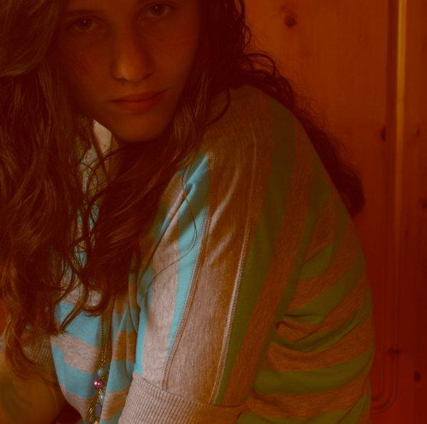 """""""La plupart des affections ne sont que des habitudes ou des devoirs qu'on n'a pas le courage de briser."""""""
