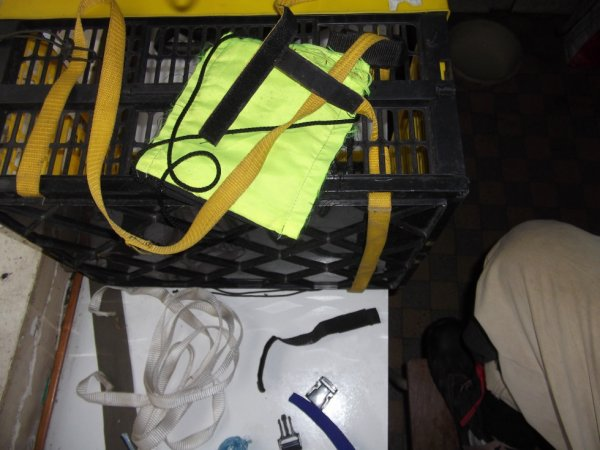 renforcement préventif d'une caisse plastique du commerce à claire voie et ajout d'un moyen de transport