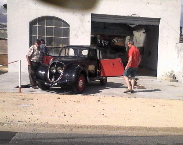 le 20 Aou sacrées voitures dans ce garage