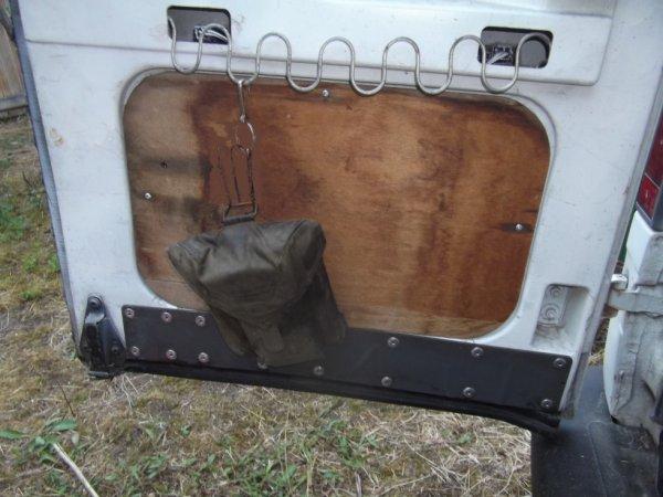 ASTUCE pour équiper un véhicule ami (avec un ressort de siège de jardin)