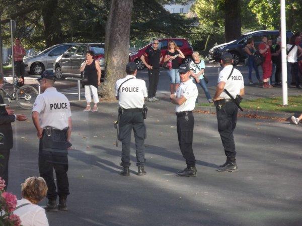 y'avait de la police hier en ville pour la venue de Monsieur  Sarkozy