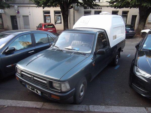 pour amis amateurs de véhicules : un Pick-up japonais vu le 23 SEP