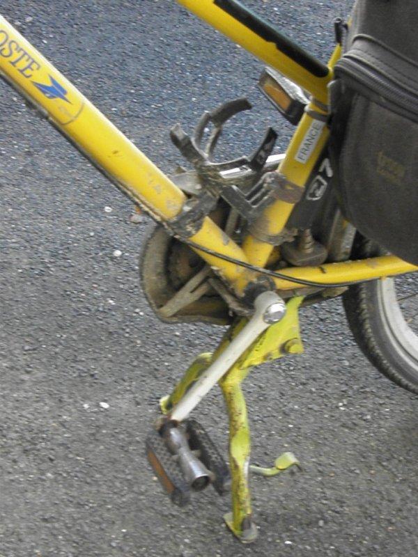 """le vélo chargé vient bien de la """"poste"""""""