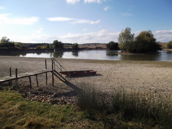 promenade du dimanche 16-10 l'étang du bas est à sec