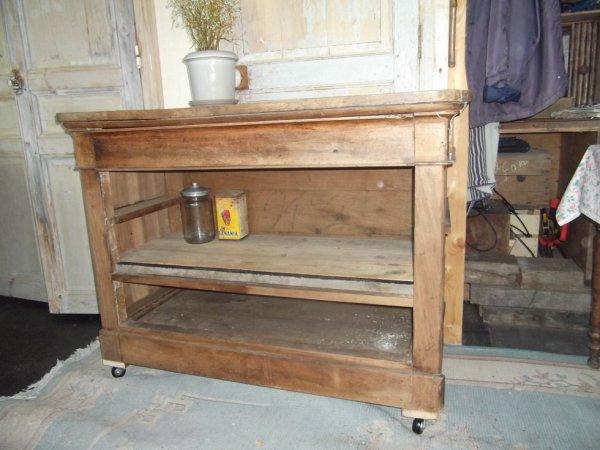 le petit meuble destiné au feu ou à la benne à retrouvé une seconde vie