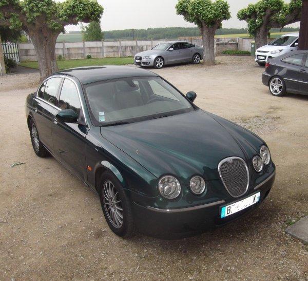 le 8 mai une Jaguar