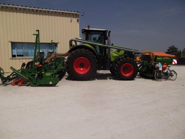 pour amis amateurs d'engins agricoles : tracteurs de plus en plus gros