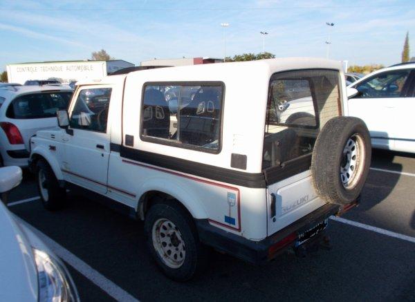 un joli 4X4 vu en ville un suzuk chassis long