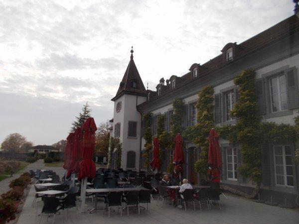 le chateau de Bossey (au pied du Jura) qui a accueilli le Pape
