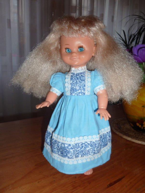 MURIEL - Petite Bella habillée en ARI